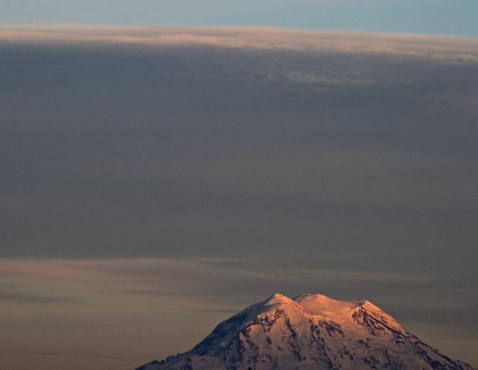 'Ol popsicle top, also known as Mount Rainier, has been seen in all her spring glory this past week.